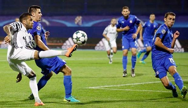 Liga Champions, Dani Alves Antar Juventus Tekuk Porto 2-0
