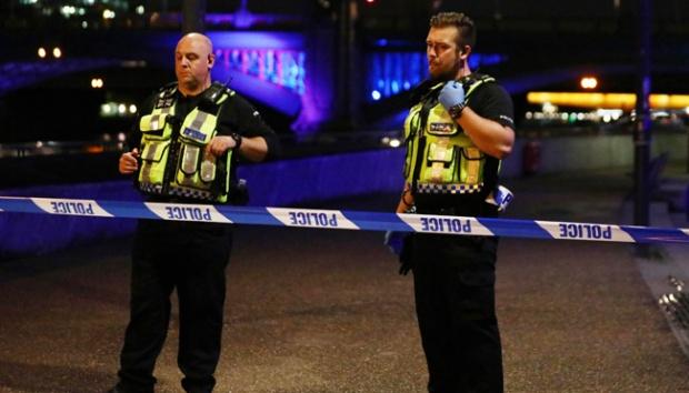 Polisi Inggris Serbu Flat Penyerang Jembatan London