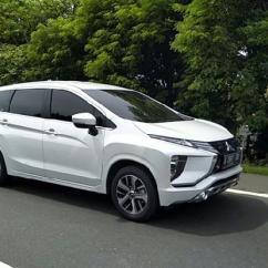 Grand New Avanza Vs Mitsubishi Xpander Agya 1.2 G At Trd Ini Perbandingan Dimensi Suzuki Ertiga 2018 Di Jalan Tol Menuju Pelabuhan Merak Cilegon Tempo Menjajal Dengan Rute Jakarta Lampung 19 November 2017