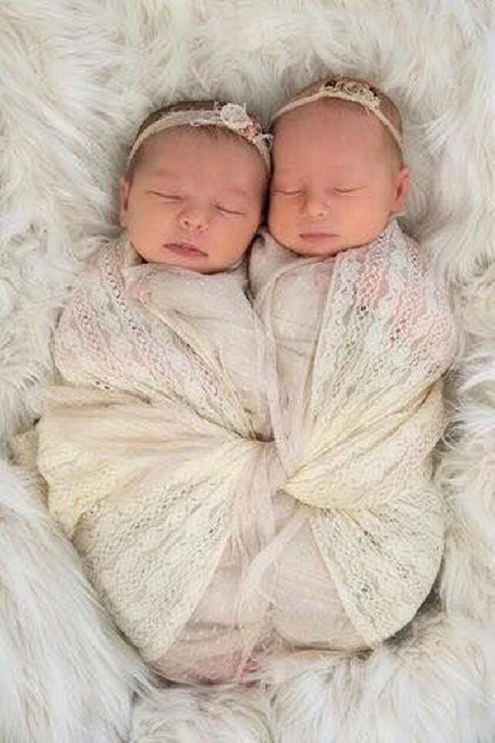Bayi Baru Lahir Kembar : lahir, kembar, Kembar, Australia, Meninggal, Tidur, Dunia, Tempo.co