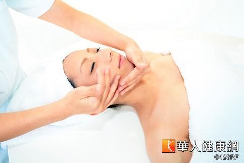 瘦小臉!6大穴道經絡按摩   美麗新知   華人健康網