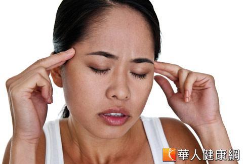 嘴歪眼斜!維他命B群修復顏面神經   黃安年   神經內科   內科   健康新知   華人健康網