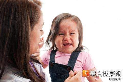 大人或已經上幼稚園的小哥哥、小姐姐,也會將輪狀病毒帶回家中,進而造成家中嬰幼兒感染輪狀病毒。