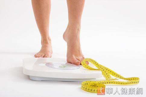 蔡慧君營養師表示,對付脂肪肝,減重、運動和飲食控制是不可疏忽的三要素。