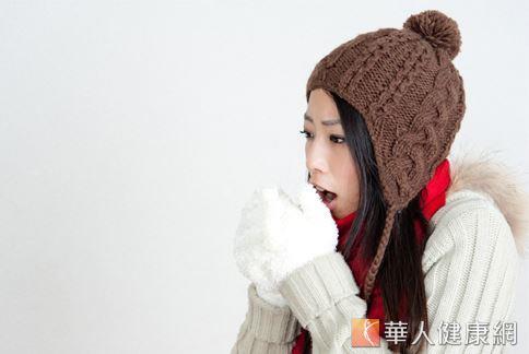 春天早晚氣溫變化大、時冷時熱,民眾應隨時注意氣候變化,適時添加衣物,做好保暖。