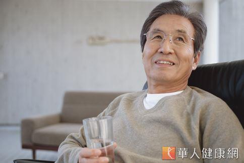 男性隨著年齡增長,攝護腺癌的機率也會跟著增加,應從日常飲食保健開始照顧。