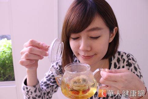 紅棗泡水養肝排毒,能增加人體血清蛋白,從而有助保肝排毒。(圖片/華人健康網資料照片)