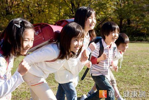 怎麼讓孩子健康發育、長大不長胖,是許多家長非常重視的事。