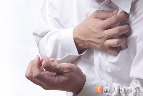 年輕人心悸胸痛!小心二尖瓣膜脫垂 | 吳清文 | 心臟血管內科 | 內科 | 健康新知 | 華人健康網