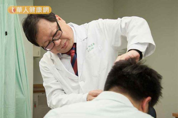 乾癬迷思多!患者竟喝尿求治癒? | 何宜承 | 一般皮膚病 | 皮膚科 | 健康新知 | 華人健康網