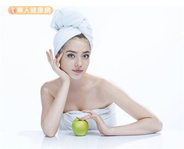 避免消化不良 飯後多久才能洗澡?   肝膽腸胃科   內科   健康新知   華人健康網