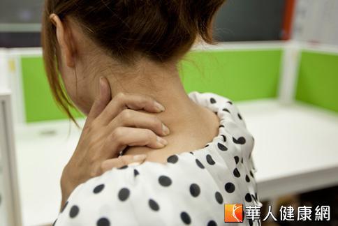 頸部有腫塊是警訊!小心癌癥轉移 | 女性癌癥 | 腫瘤科 | 健康新知 | 華人健康網