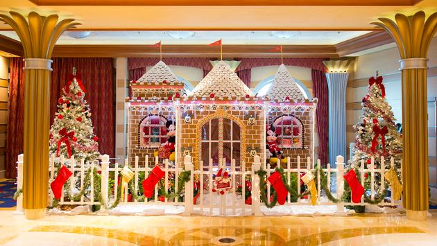 Lifesize gingerbread house on Disney Cruise