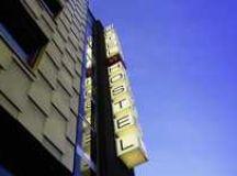 Glamorous Spa Hotels : Peninsula Shanghai