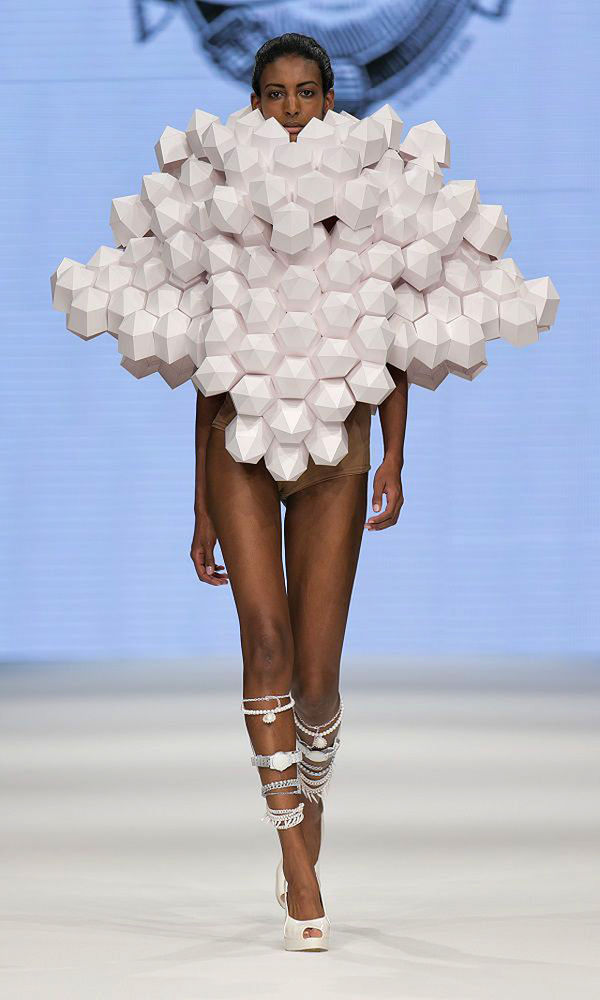 Abstract Paper Runway Collections  Bea Szenfeld SS 2014