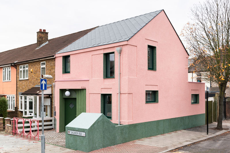 Adorable Statement Houses : Cute Building