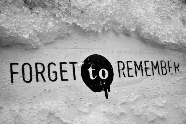 Altruistic Street Art Fulton S Forget To Remember