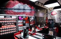 In-Store Makeup Stations : Go Pro Make Up