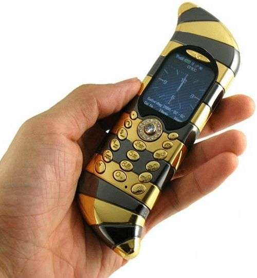 Blinged Out Mobiles Goldvish Luxury Cell Phone is the Crown Jewel of Communication