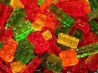 DIY Edible LEGO: How to Create Your Own Brick-Shaped Candy ...