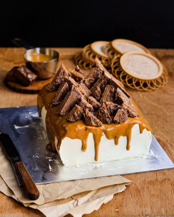 Giant Chocolate Bar Cakes  mars bar cake