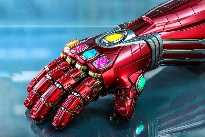Wallpaper Superhero Marvel 3d Superhero Metallic Gaunlet Collectibles Nano Gaunlet