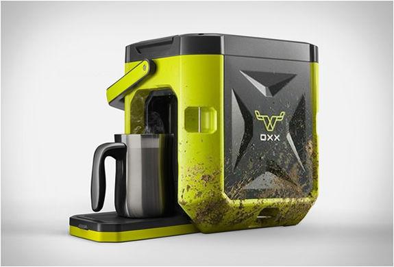 HeavyDuty Coffee Makers  SingleServe Machine