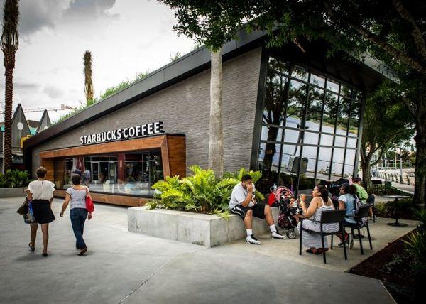 Moment-Driven Architecture : Starbucks Flagship Store