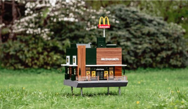 Fast Food-Inspired Beehives : the world's smallest McDonald's