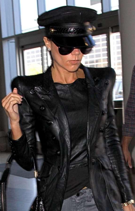 Sharp Shoulder Leather Victoria Beckham Flies in Black Balmain Mes Coco Jacket