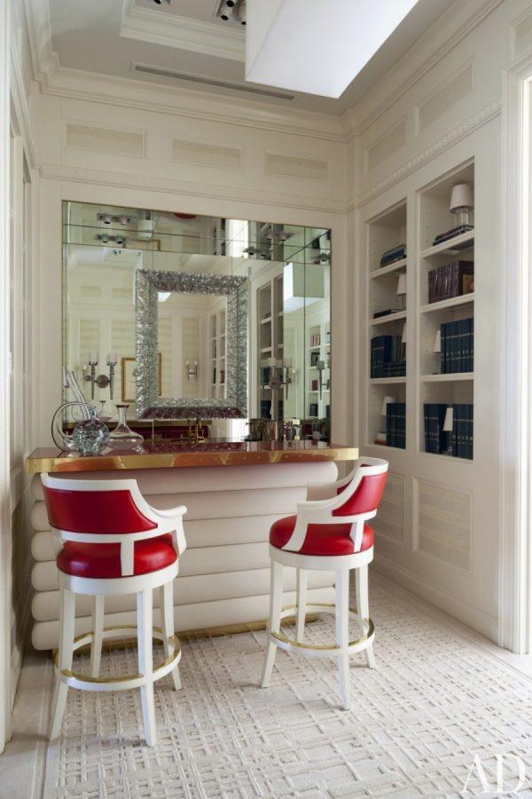Chic Home Bar Design