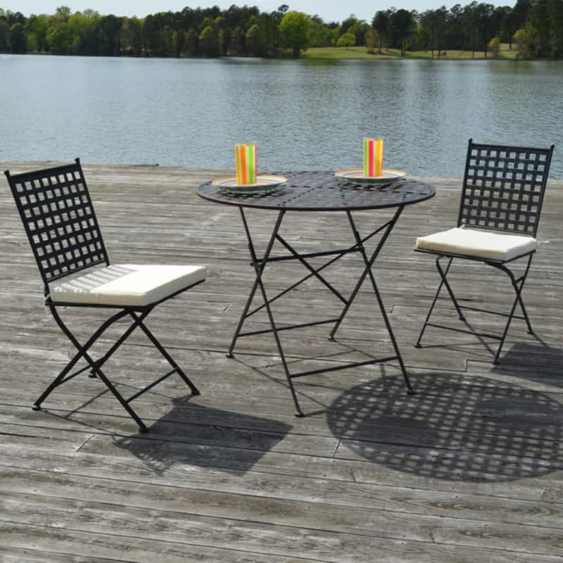 blue metal folding chairs reupholster wingback chair balcony and table design ideas for urban outdoors