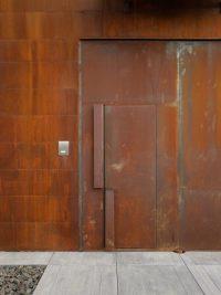 Trend Alert: Oversized Front Door Handles