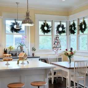 how to decorate your kitchen rustic table and chairs 23 ways for the holidays
