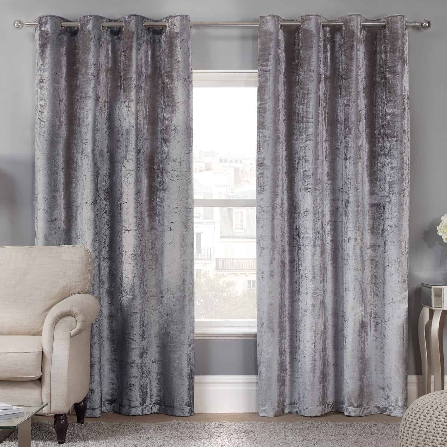 How to Incorporate the Latest Trend Velvet Into Your Home