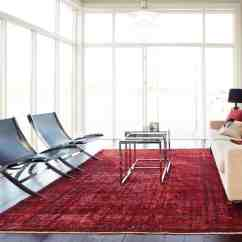 Living Room Rugs Modern Interior Design Ideas For Small Rooms 2 That Chicly Transform Your Space Bring On The Red