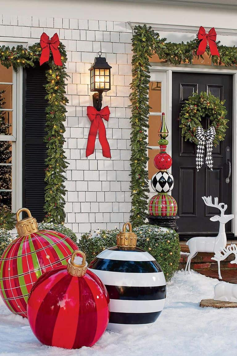 Delightful Outdoor Christmas Decorating Ideas
