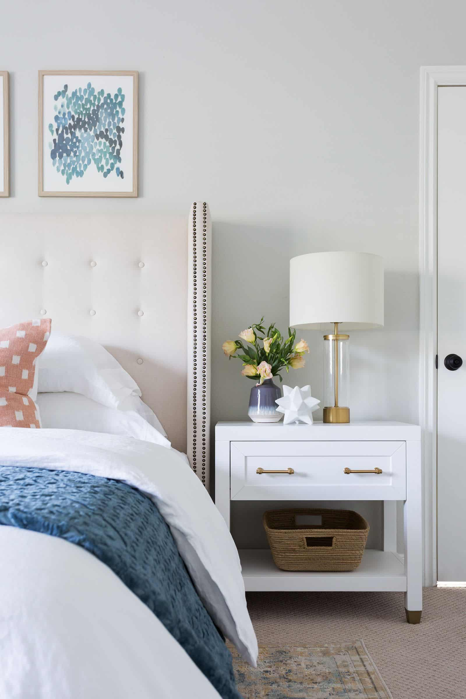 minimal and white Unique Nightstands that are all the Rage