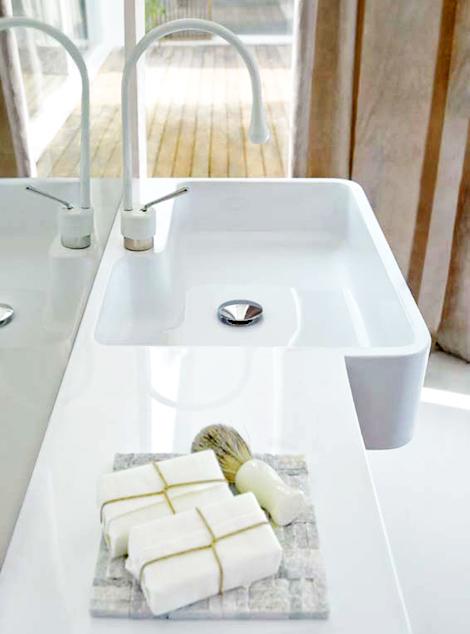 apron front bathroom sink beautifies