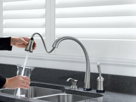 TouchActivated Kitchen Faucet  Delta Pilar PullDown