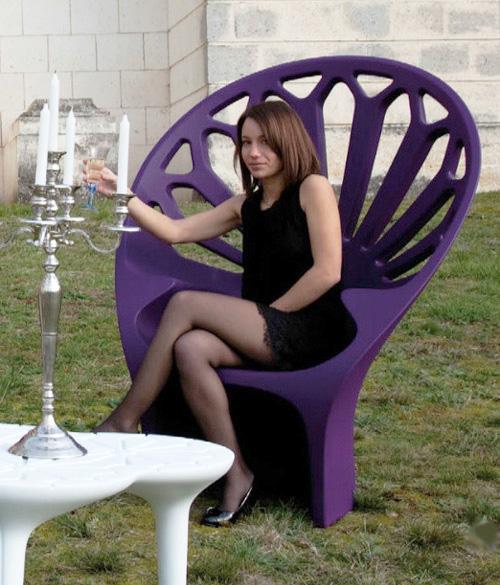 oversized patio chair by qui est paul