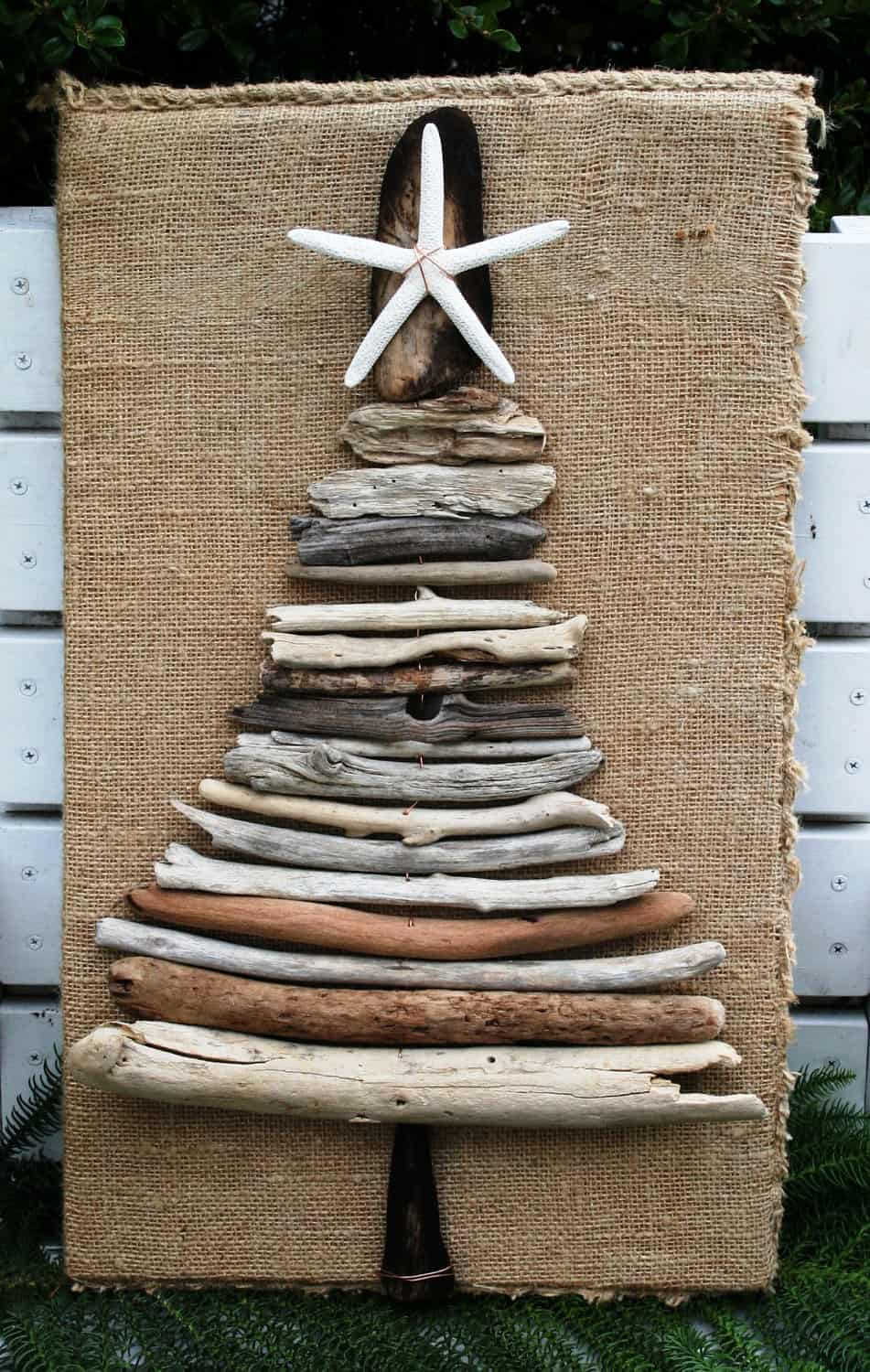 10 Wooden Christmas Trees with EcoStyle