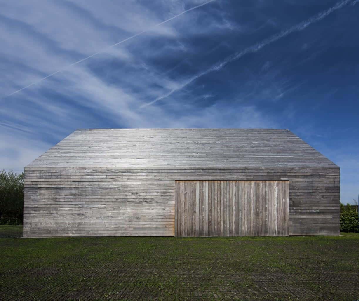 Contemporary Reinterpretation of Traditional Flemish Farm