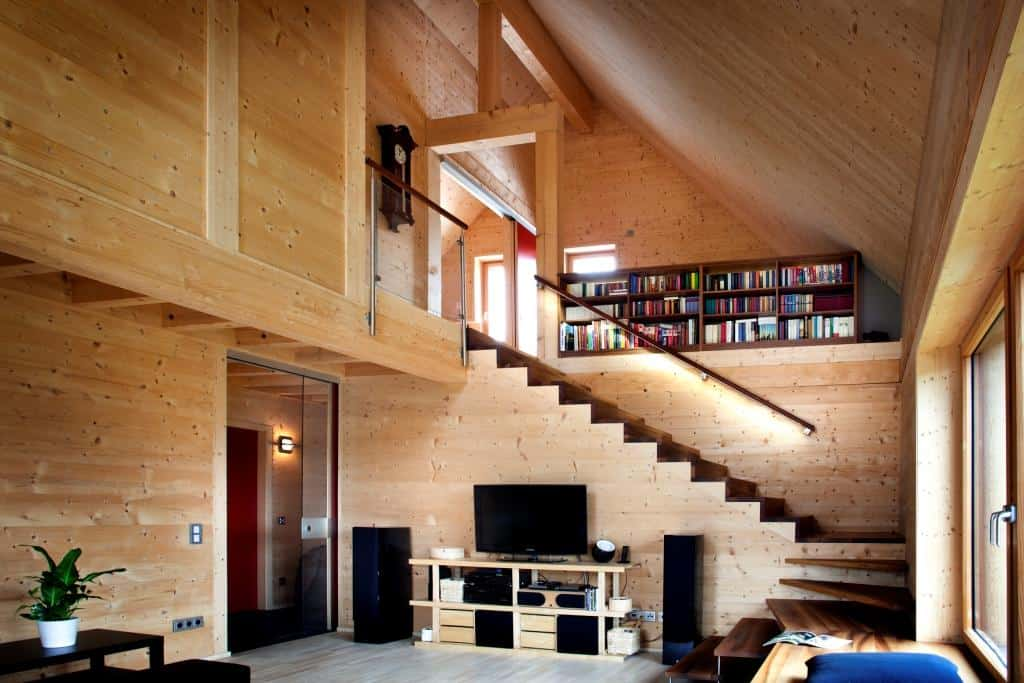 HiTech Wooden House Built Without Glue Screws or Nails