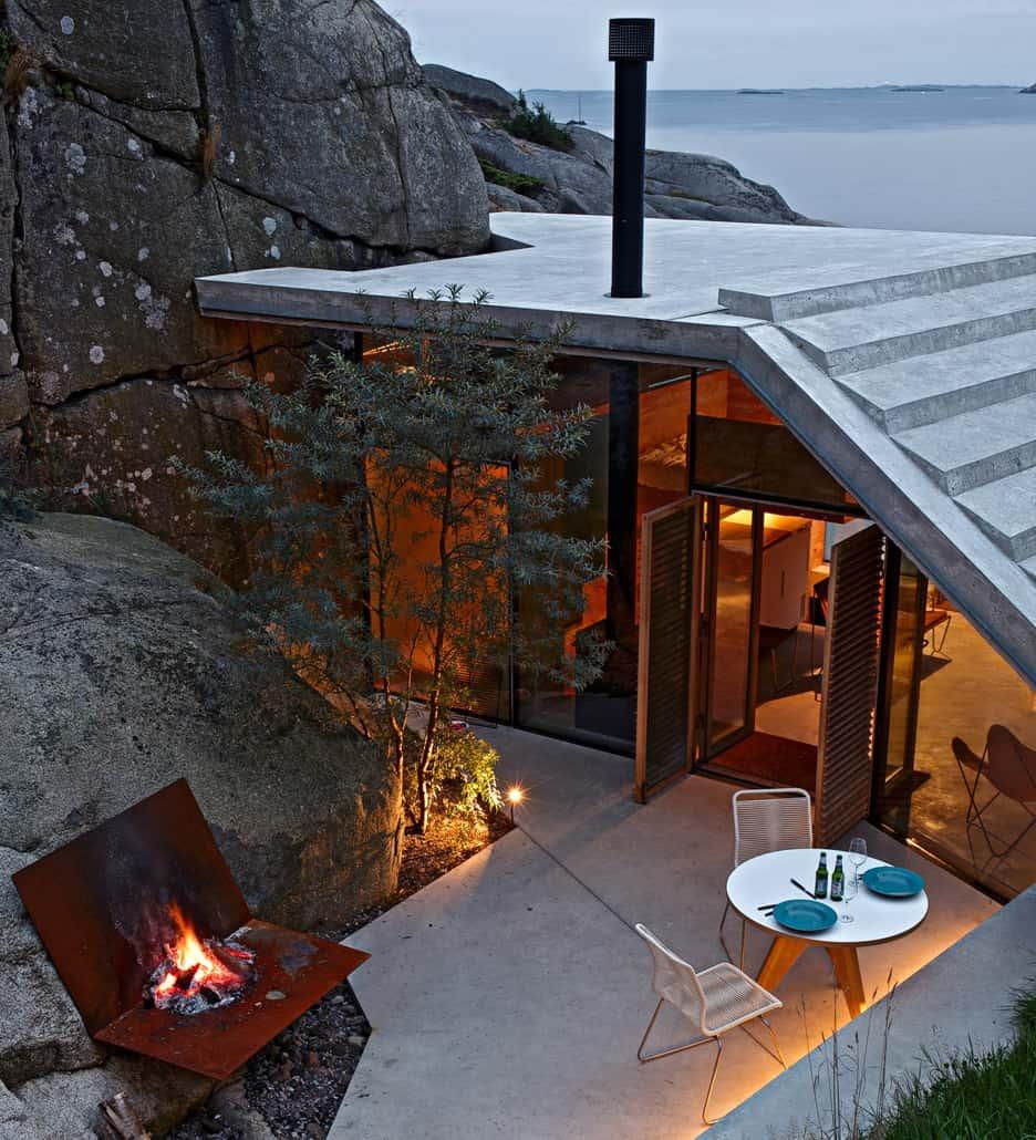 Seaside Cabin on the Rocks in Norway Knapphullet by Lund Hagem