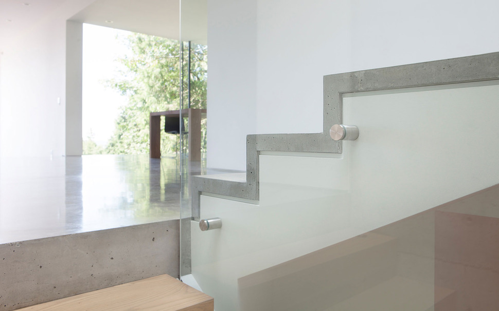 Concrete Steps Railing