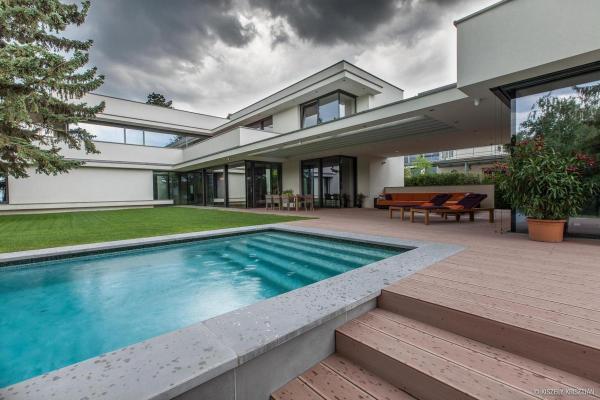 Modern Day Swimming Pools