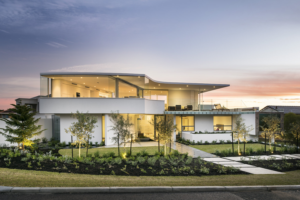 Best Kitchen Gallery: Luxury Beach House With Cantilevered Pool of Modern Beach House on rachelxblog.com