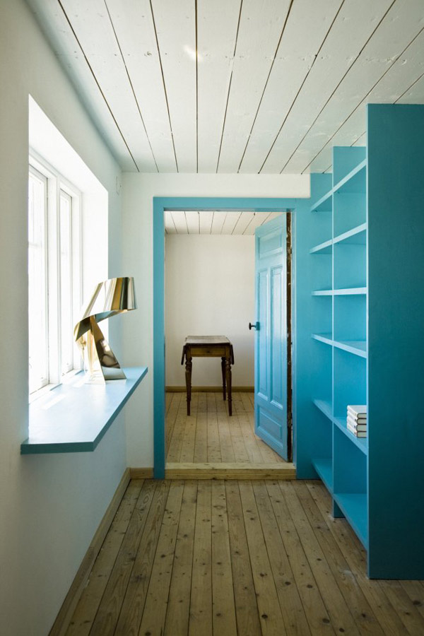 Contemporary Farmhouse Interior Design Splashed Up With Color