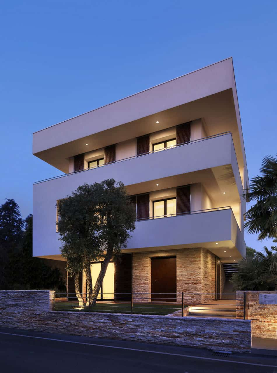 Italian Maze House With Geometric Exterior Sliding Interior Walls